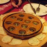 西洋小料理 葡萄家 - エスカルゴのガーリックバター焼き☆おいしー♪