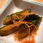 焼肉割烹藤吉 - オイキムチ