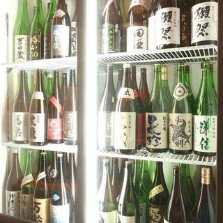 プレミアム日本酒や、その他常時70種類をご用意しております