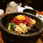 KollaBo - 2014.9 ユッケ石焼ビビンバ(1,480円)