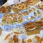 BOULANGER BEC FIN - 総菜パンが多くてビックリ!