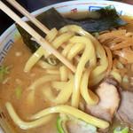 三平ラーメン - コシもあり美味い太麺!