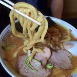 三平ラーメン - 極太麺!太い!