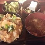 とり鉄 - とろとろ玉子の親子丼¥800