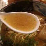 あづま家 - 魚介の風味豊かな醤油スープ
