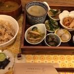 天然食堂 かふぅ - 養生ご飯セット 1200円(税別)