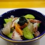 寿司光 - キャビアっぽいお通しw