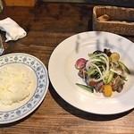 30369517 - 琉球豚肩ロースのグリル サワークリーム添えサラダ仕立てとご飯