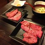 京橋 松蘭 - タレ系。ご飯とタマゴスープとウーロン茶無料!
