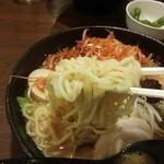 30371019 - 辛味噌赤ネギラーメンの麺