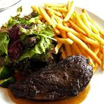 30371460 - Gold rush(ゴールドラッシュ)牛肉のステーキ150g・フライドポテト グリーンサラダ