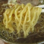 鑫源楼 - みそラーメンの麺