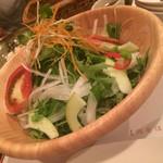 肉食酒場 garu - 京のお野菜を使ったサラダ(600)