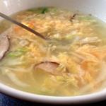 登正門 - 玉子スープ、とっても具だくさん