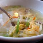 登正門 - セットの玉子スープ、具だくさんです