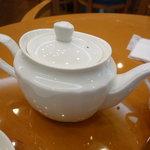 パティスリー グレゴリー・コレ - ☆紅茶はポットサービスで嬉しいですね◎☆