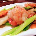中国料理 水晶楼 - 海老と帆立の炒め物