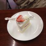 Blanc - シンプルなイチゴのショートケーキですが、期待してた通りの甘過ぎない生クリームにフワフワのスポンジでした。