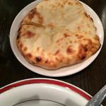 ダバ インディア - 2014.5 チーズクルチャ
