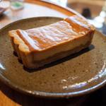 ますや - りんごキャラメル入りチーズケーキ(お茶とセットで650円)