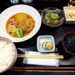 おいしい台所12カ月 - 〔日替ランチ〕大根と鶏肉の旨煮、ゴーヤ冷奴、マカロニサラダ(¥800)