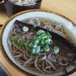 笠そば処 - にしん蕎麦とかやくご飯
