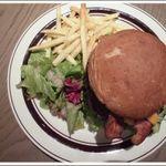 グロリアスチェーンカフェ 心斎橋 - BLT Cheese burger ¥1,230