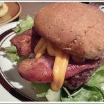 グロリアスチェーンカフェ 心斎橋 - BLT Cheese burgerのアップ~♪
