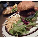 グロリアスチェーンカフェ 心斎橋 - BLT Cheese burgerはボリューム満点~♪