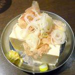 四文屋 - 冷奴 ¥200