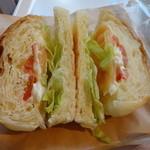 サンマルクカフェ - サーモンとトマトのクロサンド:300円 (2014/9)