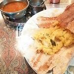 チャトパタ - 南インドのペーパーマサラドーサ ¥1,500 です。巻いたマサラドーサの中に、ポテトとオニオンが入っていて、またびっくり!!チャトパタでしか味わうことのできない経験をさせてもらいました。