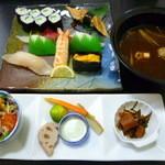 魚平 - 料理写真:【日替わりにぎりB 1570円】