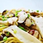 ランチ&バー 花菜 - 9.10.11月限定パスタ「キノコいっぱいのペペロンチーノ」