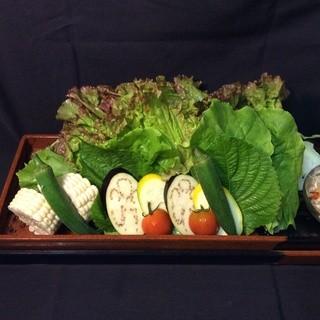 「野菜・肉類・魚介などの食材は中国産を使用しておりません」
