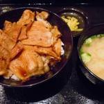 30413574 - ホエー豚の豚丼のセット(1100円)