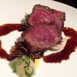 30413842 - 肉料理 ローズ色に火が入った素晴らしい焼き上がり!