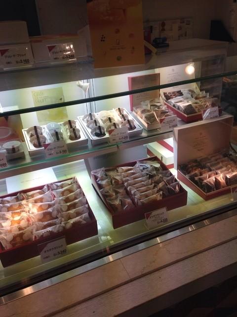 オカダ パティスリー パティスリーブルス 大阪府八尾市・東大阪市に3店舗あるケーキショップ