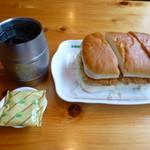 コメダ珈琲店 - アイスコーヒー(1.5倍)、みそカツサンド、豆菓子