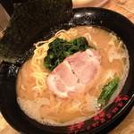 濃厚豚骨醤油ラーメン 太龍軒 - ラーメン(700円)2014年9月