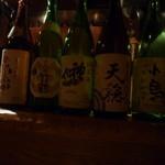 ○カ商店 - 今回いただいたのは此の五種類の酒。