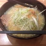 麺屋 開高 新千歳空港店 - ネギらーめん塩味(980円)。