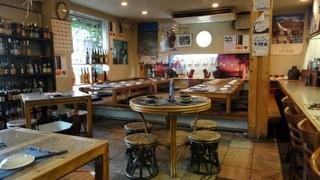 琉球居酒屋 赤瓦 - 店内の様子