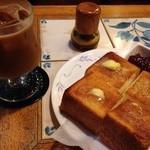 珈琲 はなや - トーストとアイスコーヒー/ 750円