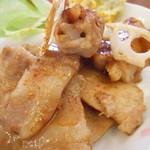 フキラウカフェ - 蓮根の豚肉巻きと豚の生姜焼き