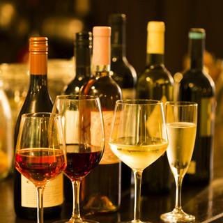 ボトルワインは全て2,980円。グラスワインは680円。