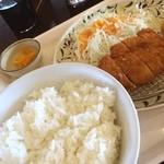 華さん食堂 - 料理写真:とんかつ定食! これに弱い(T ^ T)