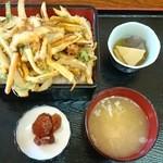 桂や - 日替わりランチ かきあげ丼(540円)