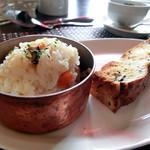 La Mere - 炊き込みご飯、自家製パン