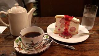 自家焙煎珈琲 凡 - ブレンドと大人のショートケーキ!